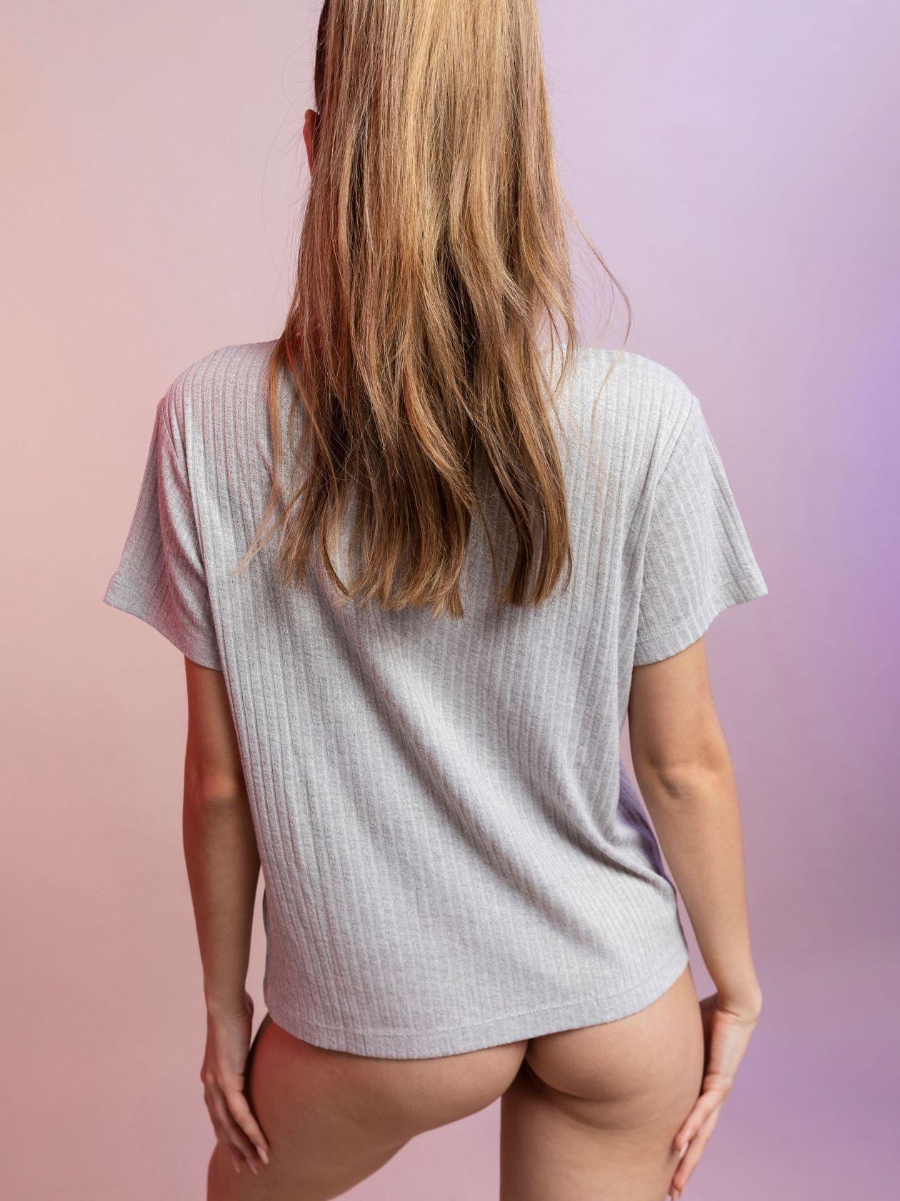 חולצת וי ריב ויסקוזה SO BASIC